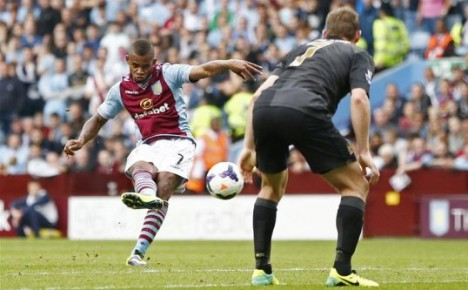Leandro Bacuna shines in Premier League