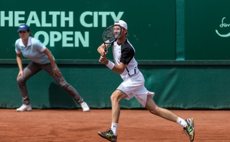 Travelling life of a ATP tennis player, is it a holiday?